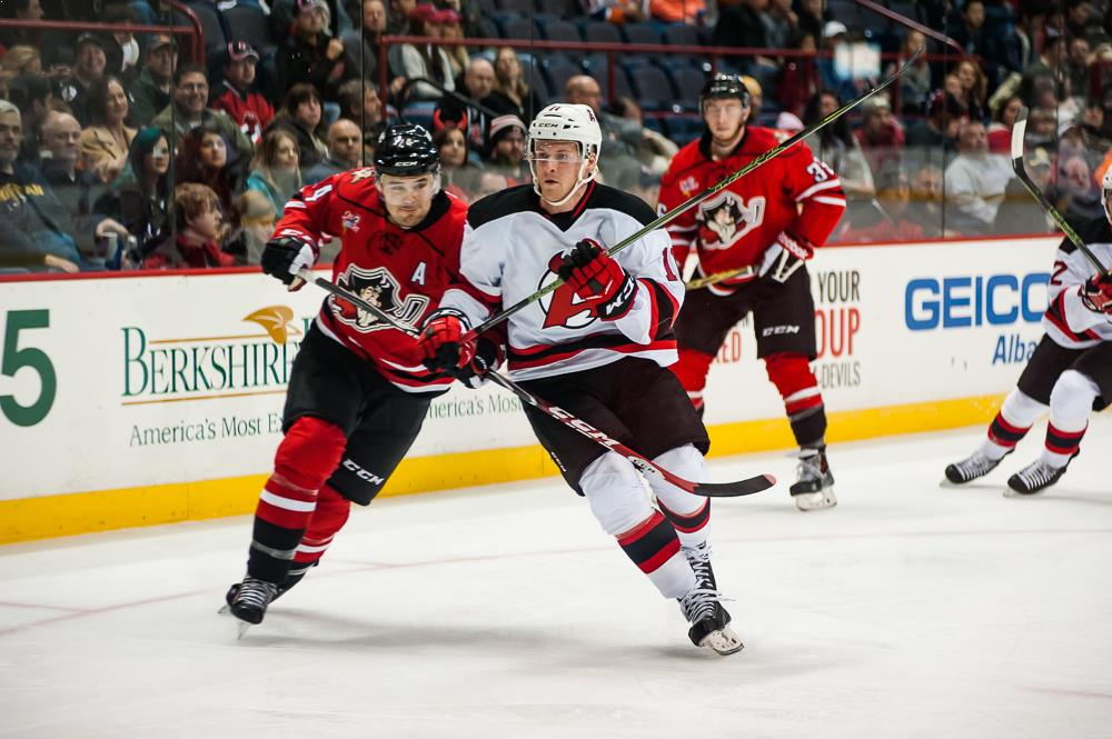 Devils vs Pirates Oct 24 (9)