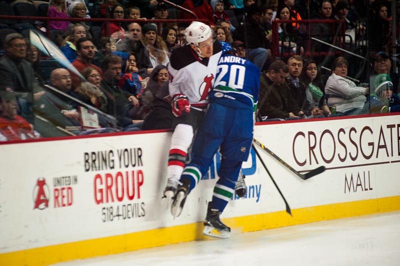 Devils vs Comets (10)